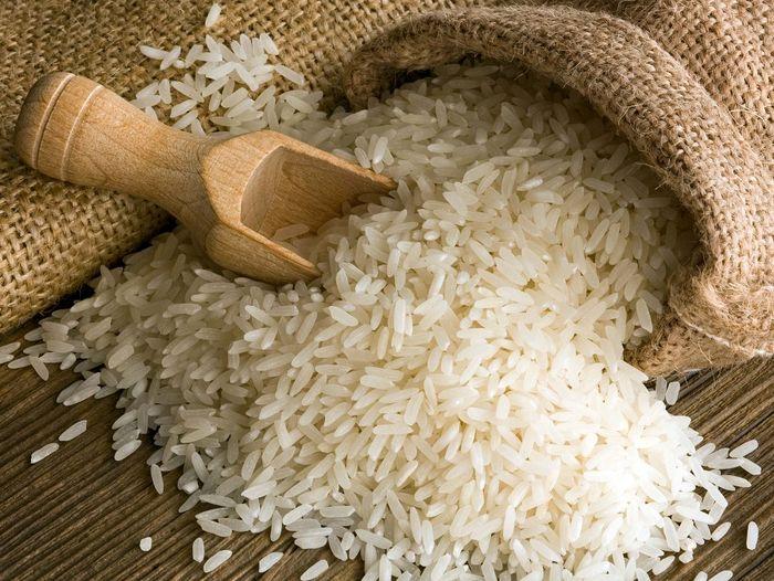 دپوی بیش از ۷۵ هزار تن برنج در گمرک