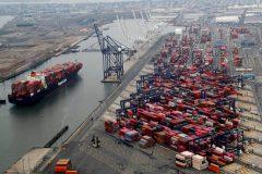تجارت خارجی کشور از مرز ۴۴ میلیارد دلار گذشت/ روند صعودی صادرات غیرنفتی ادامه دارد
