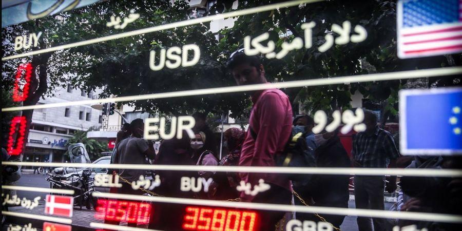 جنگ روانی در بازار ارز/دو دیدگاه درباره آینده قیمت دلار