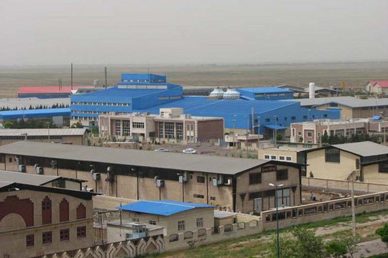 سرمایهگذاری خارجی ۲.۱ میلیارد دلاری در شهرکها و نواحی صنعتی کشور