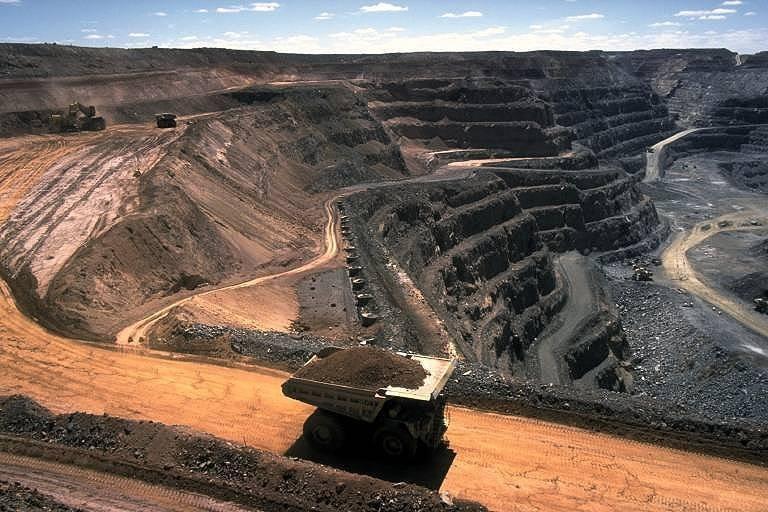 افزایش ۱.۳ تا ۸ درصدی تعداد مجوزهای صادر شده در بخش معدن کشور
