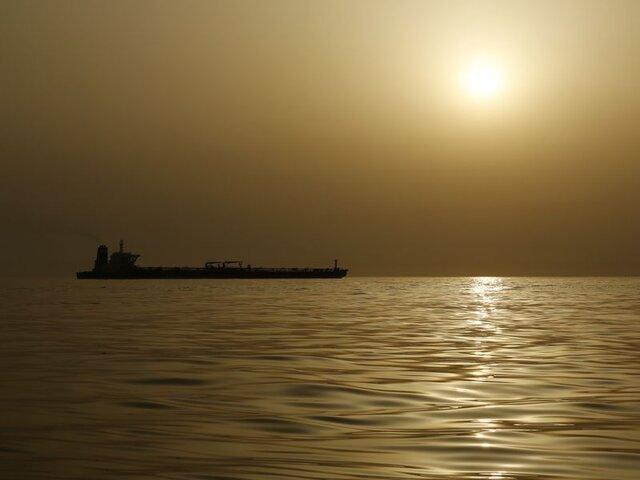 سرگردانی میلیونها بشکه نفت ونزوئلا در دریا