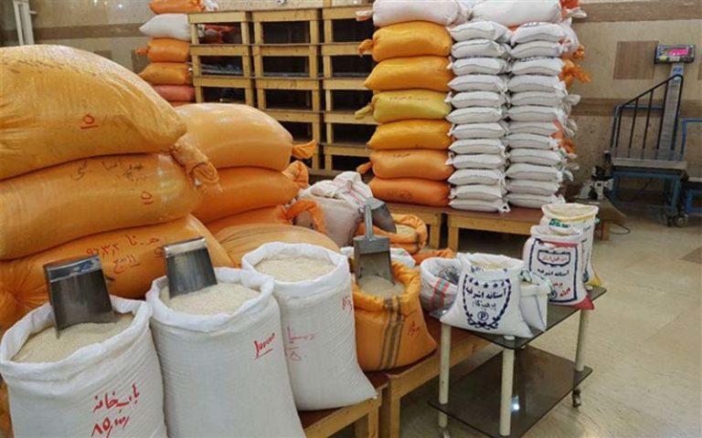 ٢۴٠هزار تن برنج وارداتی منتظر کد تخصیص ارز