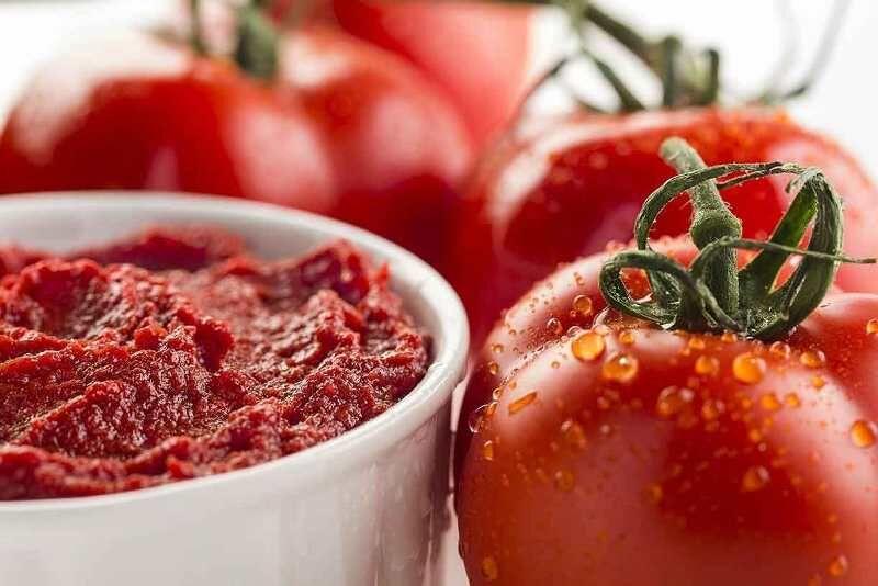 خبری از عرضه گوجه فرنگی تنظیم بازاری نیست/ ادامه گران فروشی در میادین میوه و تره بار