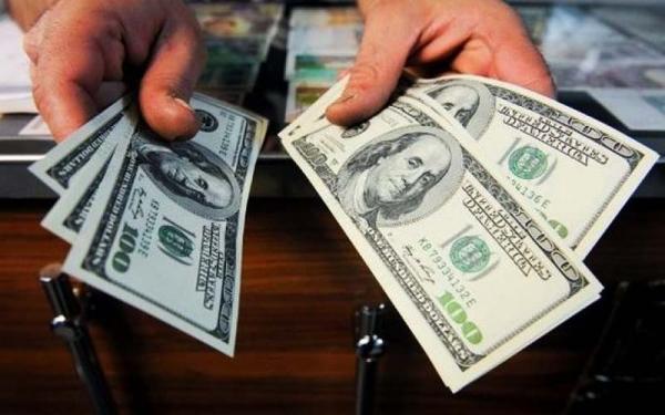 عقبنشینی چراغ خاموش دولت از ارز ۴۲۰۰ تومانی